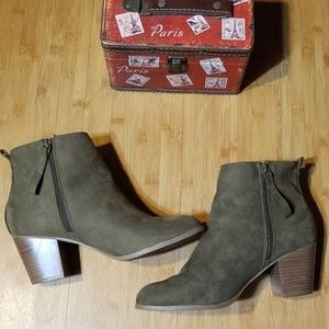 Old Navy Mid Ankle Boots